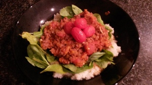 K's meal: Cauliflower mash, raw baby spinach, ostrich bolognaise and roast baby tomatoes